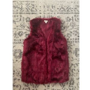 Decree FAUX FUR Vest Burgundy Never worn